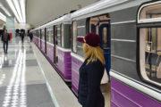 22 yaşlı gənc özünü relslərin üstünə atdı - Bakı metrosunda